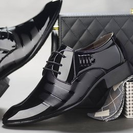 $enCountryForm.capitalKeyWord Australia - The new business dress shoes bright face wedding tie men's shoes British pointy shoes men's Korean version of the tide