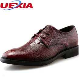 $enCountryForm.capitalKeyWord Australia - Crocodile Pattern Pointed toe Pace-up Patent Leather Wedding Mens Shoes Derby Style Dress Shoes For Men Business Brogues Casual