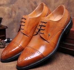 Mens shoes dress italy online shopping - Cow Leather Man Italy Dress Oxfords Shoes Fashion Male Wedding Tuxedo Borgues Shoes Carved Mens Leather Sapatos