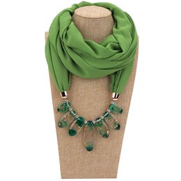 China 2019 Multi-style Jewelry Necklace Scarf Solid Color Chiffon Resin Beads Pendant Women Scarf Spring Autumn Muslim Head Scarves Hijab suppliers