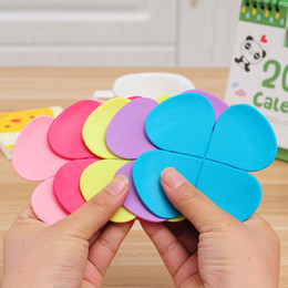 r flowers Canada - 3000PCS Mixed Colors Flower Petal Shape Cup Coaster Tea Coffee Cup Mat Table Decor Durable Pretty Drink