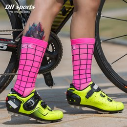 race bike brands 2019 - DH SPORTS New Top Quality Professional Brand Cycling Socks Breathable Bicycle Bike Socks Outdoor Lattice Racing Cycling