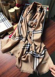 Großhandel Designer Winter Kaschmir Schal Pashmina Für Frauen Herren warme Plaid Schal Mode Frauen imitieren Kaschmir Wolle Schals 180x70cm