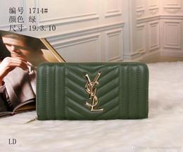 Venta al por mayor de 2019 hot new ladies zipper simple embrague casual versión coreana del bolso de mano de cuero de primera capa del bolso de las damas de cuero de gran capacidad metal
