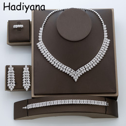 $enCountryForm.capitalKeyWord NZ - Hadiyana Fashion Cubic Zirconia Copper Necklace Wedding Set Bijoux Women 4pcs Jewelry Sets TZ8003 C18122701