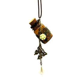 $enCountryForm.capitalKeyWord UK - Long retro leather cord sweater chain Wooden cork carved wishing bottle necklace