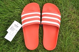 $enCountryForm.capitalKeyWord Australia - 2019 New Designer Rubber Slides Men Women Sandal Stripe White Fashion Men Shoes Beach House Emoji Ladies Slippers Brand Casual Flip Flops