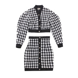 le palais vintage 2018FW Classic Houndstooth Women Suits Short Jacket Puff  Sleeve and High Rise Pencil Skirt Threaded Cotton c7c4b6a19c78