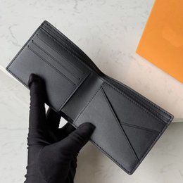 fashion leather suits Australia - Wholesale Designer Genuine Leather Bi-fold Men's Wallet Cowhide Short Wallet Western Suit Card Holder Small Leather Goods Fashion Bag Box
