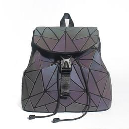$enCountryForm.capitalKeyWord UK - Women Backpack Diamond Lattice Geometry Quilted School Bag Backpacks For Teenage Girl Luminous School Bags Holographic Mochila