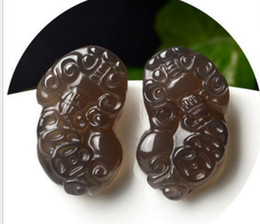 woman talisman pendant NZ - Natural authentic jade ice species agate chalcedony men and women jade pendant wholesale