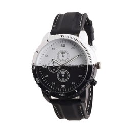 Wholesale 2017 Black White Leather band Fashion Personality Creative Movement Large Dial Tide Watch Men s