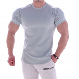 mens high neck t shirts Canada - 2020 Summer New Muscle Cotton Fitness Sports Short Sleeve O Neck High Elastic T-shirt Workout Mens Solid Color Training Tops Tees Clothing