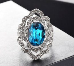 Vintage Cluster Rings Australia - New arrival women fashion jewelry vintage hollow crystal cluster ring birthday festival new year gift