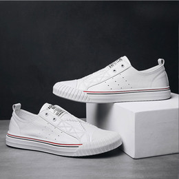 Disposable Shoe Slippers Australia - Student Street Hundreds of Classic Breathable Slipper Shoes Men Spring 2019 New Shoes Korean Leisure Small White Sports Trendy Shoes