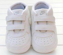 2021 bebé clásicos zapatos de bebé del niño recién nacido Casual lona tela escocesa de los bebés del otoño del deporte Primeros zapatillas de deporte de los zapatos de los caminante en venta