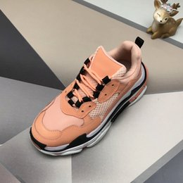 sneaker shoes for women Australia - Paris 17FW Triple-S Walking Shoes Luxury Dad Shoes chaussures femme Triple S 17FW Sneakers for Men Women Vintage Old Grandpa TrainerZ09