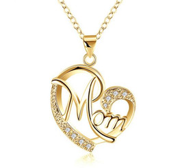 gold mum Australia - Love Mom Gift Mama Necklace Silver Plated Jewelry Gift For Mother MUM Letters Heart Pendant Necklace Wholesale