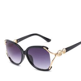 Big Cheap Glasses UK - 2018 New Trendy Women Big Frame Circle Decoration Temple Sunglasses Women Plastic Eyewear UV400 Cheap Stocky China Sun Glass VH02