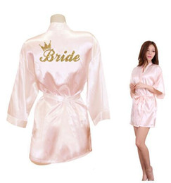 $enCountryForm.capitalKeyWord NZ - Crown Bride Team Bride Golden Glitter Print Kimono Robes Faux Silk Women Bachelorette Wedding Preparewear Free Shipping