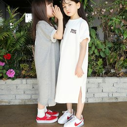 Children White Tees Australia - Brand Girls Long Shirts New 2019 Summer Kids Cotton Tees Children Casual Kid Long Style T-shirt Baby Cute Clothes, #2894 Y19051003