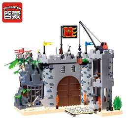 $enCountryForm.capitalKeyWord NZ - Enlighten 366pcs Castle Pirates Robbery Barracks Soldiers Ship Building Blocks Sets Brinquedos Diy Educational Toys For Children MX190730