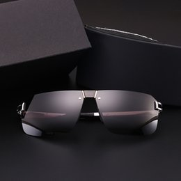 people sunglasses Canada - The new polarized sunglasses men sunglasses influx of people eyes fashion personality Paul 8758 car driver driving glasses
