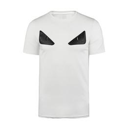 a510404e50d7 2019 Più nuovo stile classico T-shirt occhi mostro Contea di germania  Vestiti estivi T-shirt Moda Tops alta qualità Pin hole T-shirt occhio in  pelle