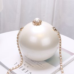 $enCountryForm.capitalKeyWord Australia - Fashion Luxury Crystal Pearl White Evening Clutch Bag Women Elegant Rhinestones Handbag Wedding Party Lady Purse Bag Hot Selling