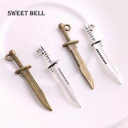 $enCountryForm.capitalKeyWord NZ - SWEET BELL 200pcs 10*43mm mini Knife Charms Vintage Metal Zinc Alloy Weapons Sword Pendant Charms D6215