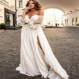 off shoulder high slit dress UK - Designer Boho Floral Wedding Dresses Sexy Off The Shoulder Chiffon Beach Wedding Dress With Slits Zipper 2020 Bridal Dress robes de mariée