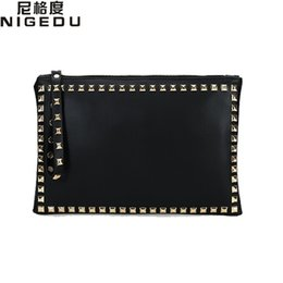 envelope style purses NZ - Rivet envelope bag fashion star style Ladies clutch purses Women's handbag Clutches evening bags Black and red bolsa feminina