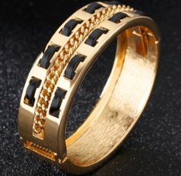 Plates Gift Europe Australia - Europe American new arrival fashion jewelry women men 18K gold plated bracelet party Christmas festival love gift