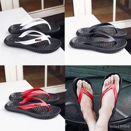Good Quality Flip Flops Australia - good quality Designer Slippers Gear Bottoms Men Striped Sandals Casual Slip Summer Casual Slippers Massage Slippers outdoor beach flip-flops