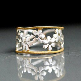 Hollow Fingers Australia - Gold silver color Simple sunflower hollow ring 2019 new brand Cocktail party finger rings adjusted size Anniversary jewelry