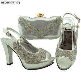 Match Blocks Australia - New Arrival Italian Shoes with Matching Bags Set Decorated with Rhinestone Slip on Women Wedding Pumps Elegant Block Heel Shoes