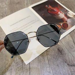 Wayfarer Metal NZ - 2019 new women's fashion sunglasses, metal rimless trend glasses, UV sunglasses, women.