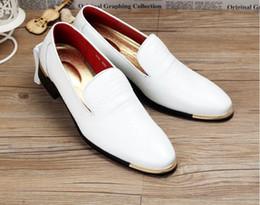 Oxford Shoes White Red Australia - 2019 fashion men's Oxfords Pointed Toe Men Wedding shoes Business crocodile loafers Men Dress Shoes jp122