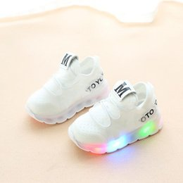 $enCountryForm.capitalKeyWord Australia - New Spring Autumn Kids Led Shoes Fashion Glowing Sneakers For Girls Boys Mesh Children Shoes Led Luminous Shoes Sneakers