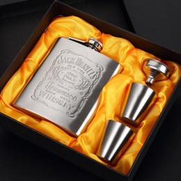 $enCountryForm.capitalKeyWord Australia - Hip Flask 7oz Gift Set Stainless Steel Wine Mug Wisky Bottle With Box Mini Drinkware Alcohol Bottle Pocket Portable For Drinker Men Gifts