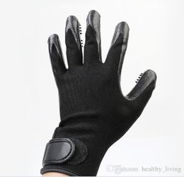 $enCountryForm.capitalKeyWord UK - HOT Pet Grooming Gloves Dog Cat Hair Cleaning Brush Comb Black Rubber Five Fingers Deshedding Pet Gloves For Dog Cats Animals