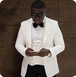 button design suit 2019 - Classic Design 2 Piece Black Mens Wedding Suits Slim Fit Groom Tuxedos Ivory Peaked Lapel Handsome Best Man Blazers Jack