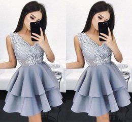 vintage tires Canada - Charming Short Homecoming Dresses 2018 V Neck Appliques Illusion Bodice Tired Modest Girls Party Pageant Prom Gowns Cheap Cocktail Dress