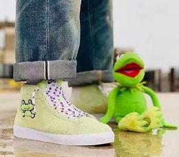 Discount women blazers sale - 2019 New SB ZOOM BLAZER MID QS Fashion Green Running Shoes High Quality Men Womens Frog Prince Skate Shoes Cheap Sale Sp