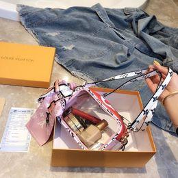 $enCountryForm.capitalKeyWord Australia - Designer TOP Quality genuine handbag shoulder bags Classic ladies messenger Gold hardware chain Round fabric 0420 Luxury