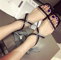 Buttoned Up Heels Australia - New Fashion Women's Button-up Roman high-heeled sandals with bowknot