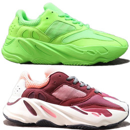Designers shoes online shopping - 2019 Designer Shoe V1 V2 Analog KAWS Salt Mauve OG Frozen Yellow Running Shoes Kanye West Sports Wave Runner Sneakers With Box
