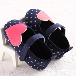 Infant Girls Canvas Shoes Australia - Baby Girls Shoes Fashion Newborn Infant Baby Girls Heart Shape Canvas Shoes Soft Sole Anti-slip Sneakers First Walker M8Y14