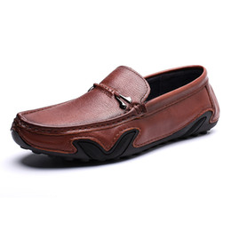 Wholesale Men Soft Leather Casual Loafers Slip on Male Fashion Shoes Genuine Leather Moccasin Flat Brown Black Man Driving Boat Sneakers