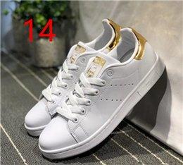 2018 Nuova vendita Originals Stan Smith Scarpe Donna Uomo Casual Sneakers in pelle Superstars Skateboard Bianco Blu Scarpe Stan Smith llxian in Offerta